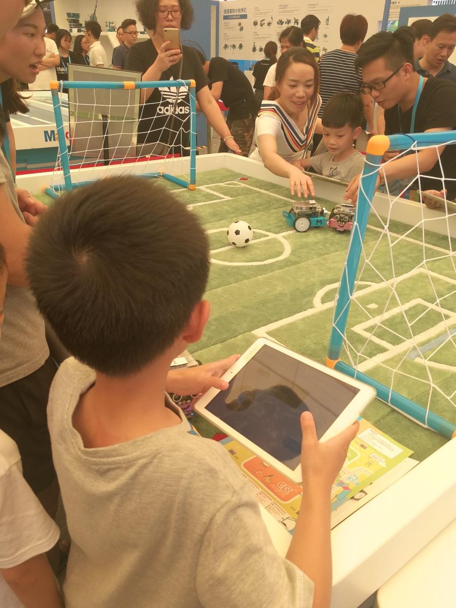 深圳在外研究メモ No.20 Makeblockの創業者Jasen Wangの視野と初の主催イベントを見た編~深圳の真ん中で子供たちはMakeblockを遊びつくす